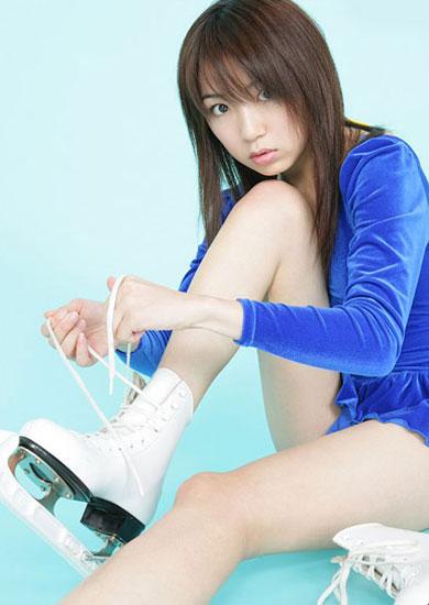组图:日本溜冰美女清纯优雅