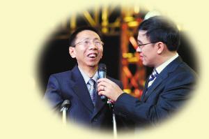 郑复生接受中央电视台主持人王志采访