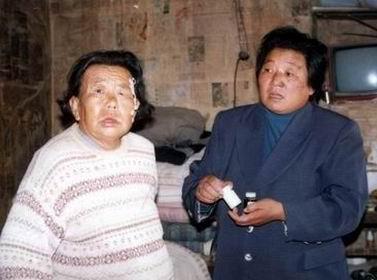 秀贞和她照顾的老人们[组图]