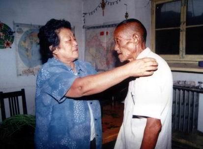 秀贞和她照顾的老人们