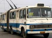 80年代初:公交车开始全国普及