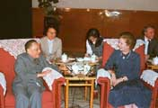 邓小平同撒切尔讨论香港前途