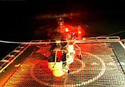 舰载机夜间训练