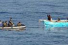 法国海军在亚丁湾挫败两起海盗行动