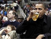 <strong>草根版奥巴马</strong><br>奥巴马喝啤酒看球赛<br><br>