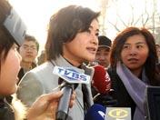 记者采访记者