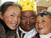 西藏年龄最大的老人过生日